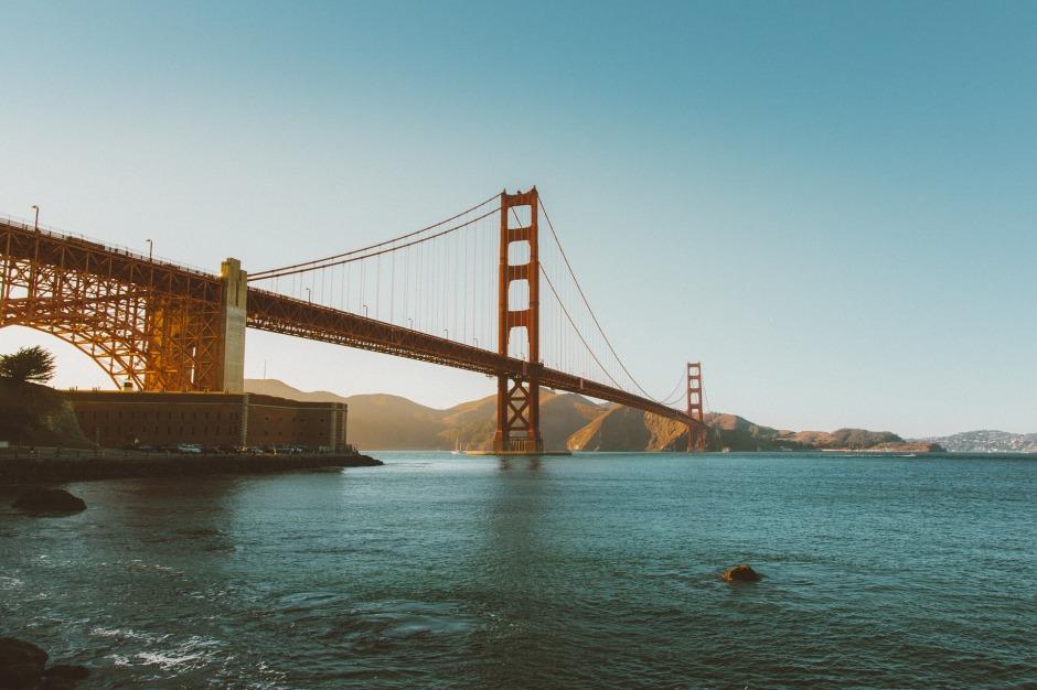 golden-gate-bridge-1031376_1920